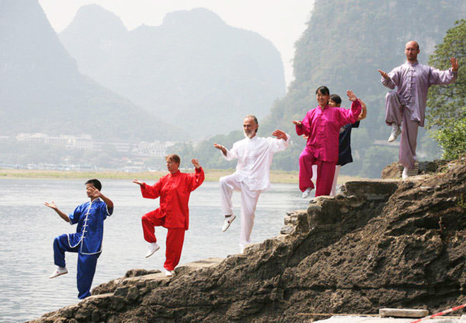 Foreigner doing Taichi