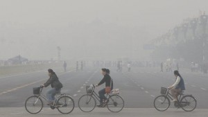 "Smog descends over Tiananmen Square during the 2013 ""airpocalypse"""